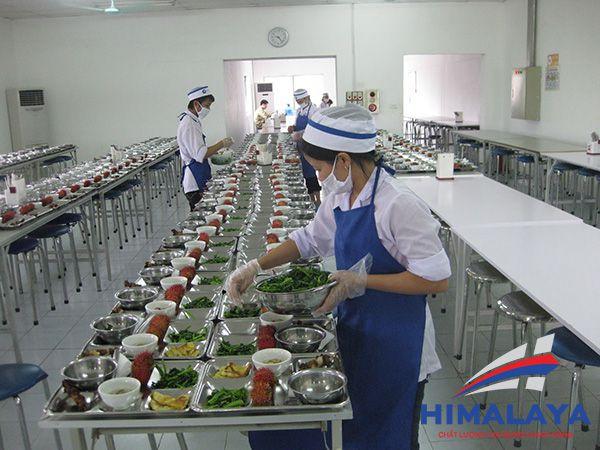 Gian bếp công nghiệp nhà máy may
