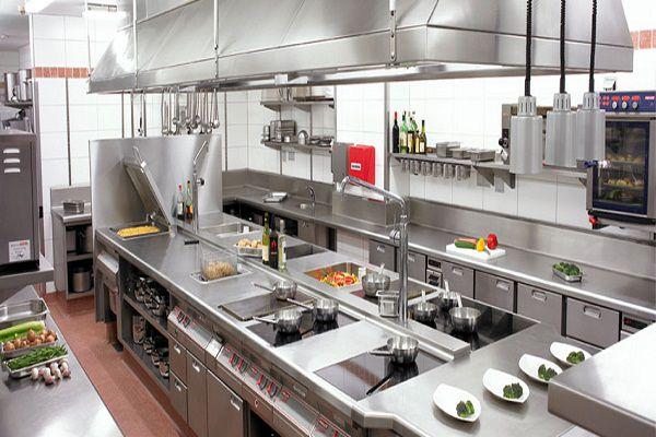 Không gian bếp nhà hàng thế giới hải sản