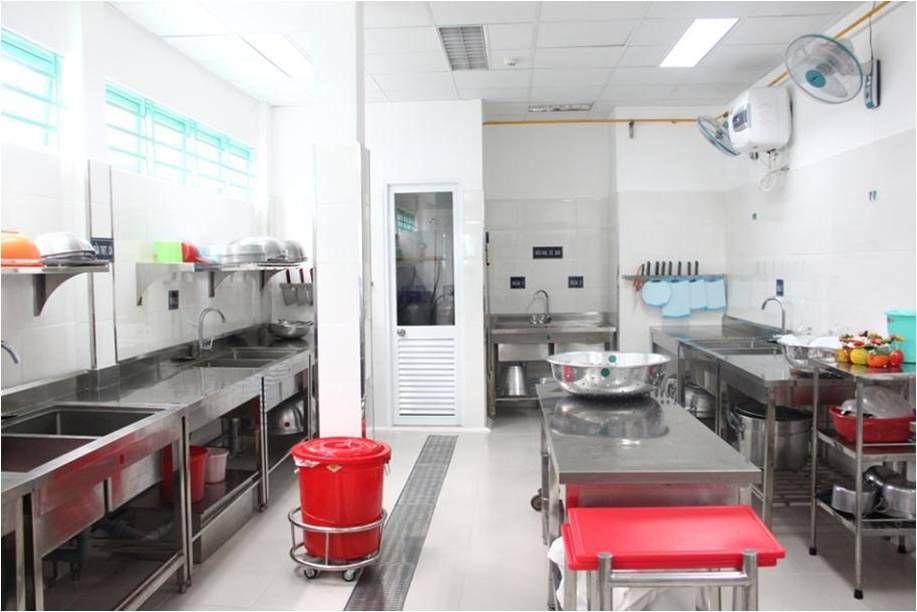 Thiết bị bếp công nghiệp khu vực sơ chế