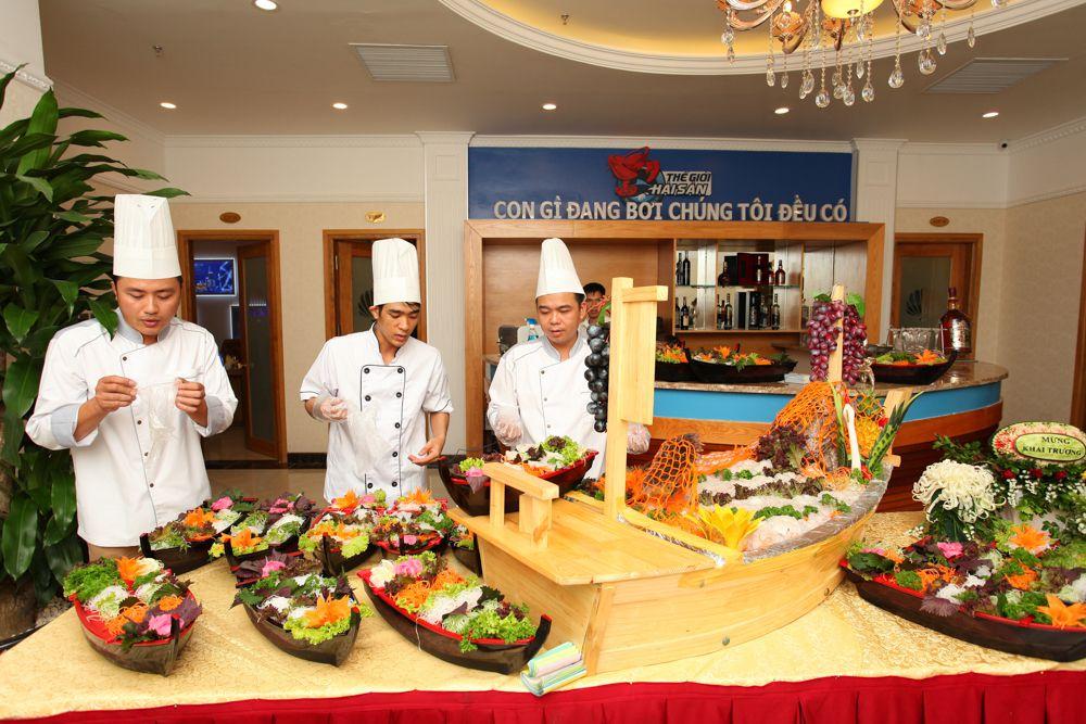 thiết kế bếp nhà hàng thế giới hải sản