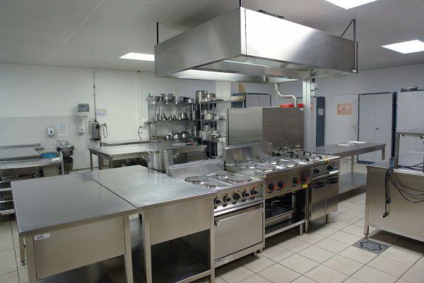 khu bếp nhà hàng song dương