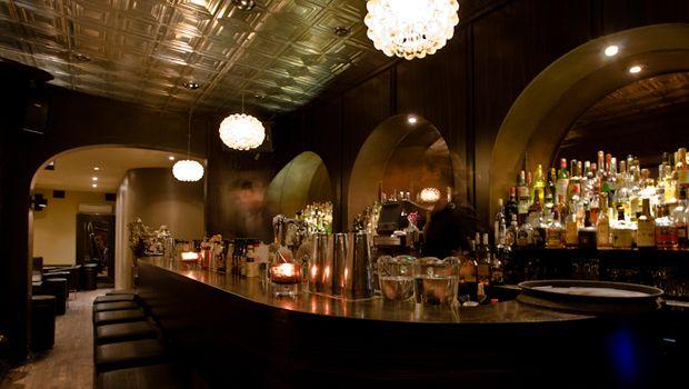 Mẫu quầy bar inox đẹp