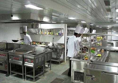 khu bếp trung tâm điều dưỡng Khánh Hòa