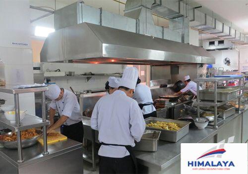 mô hình sắp xếp bếp nhà hàng