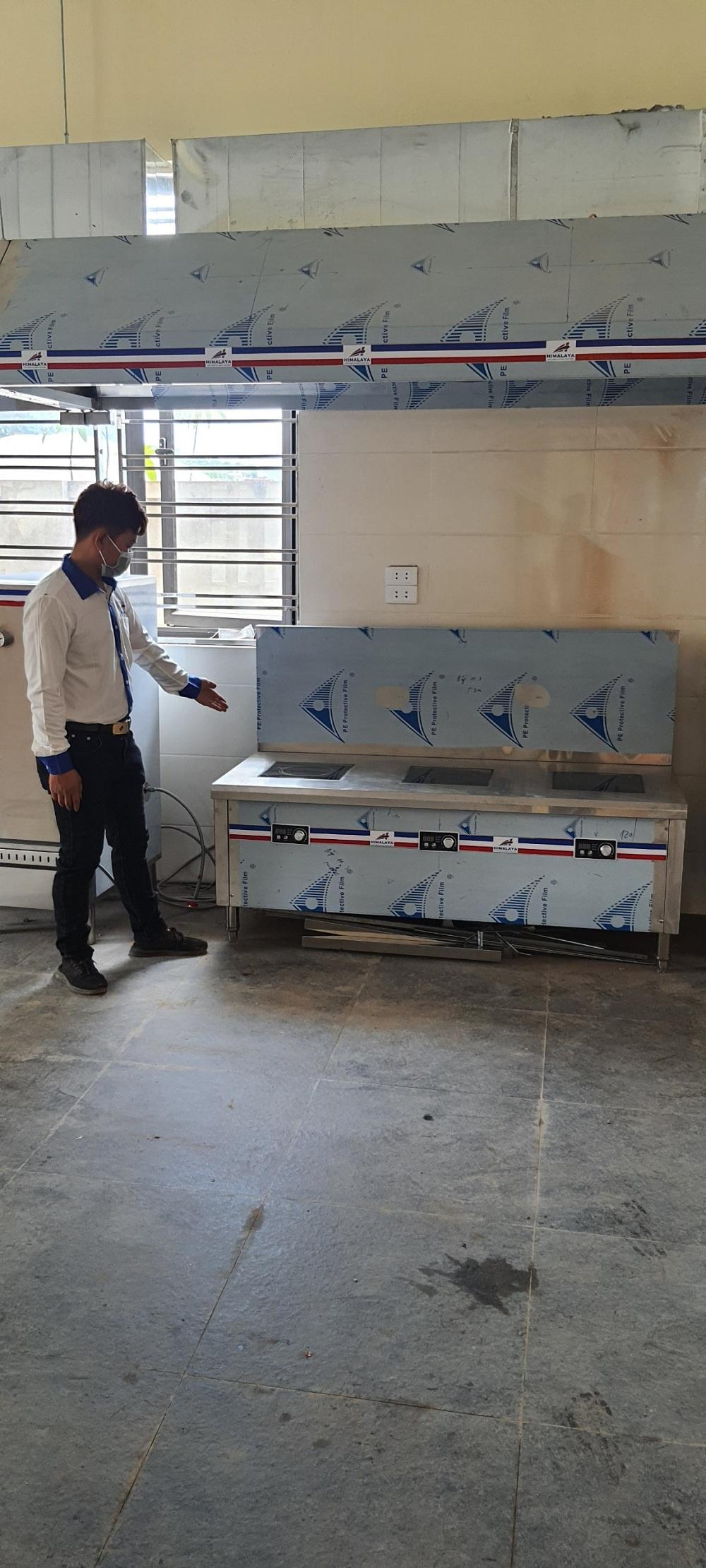 Bếp hầm điện từ công nghiệp trường học